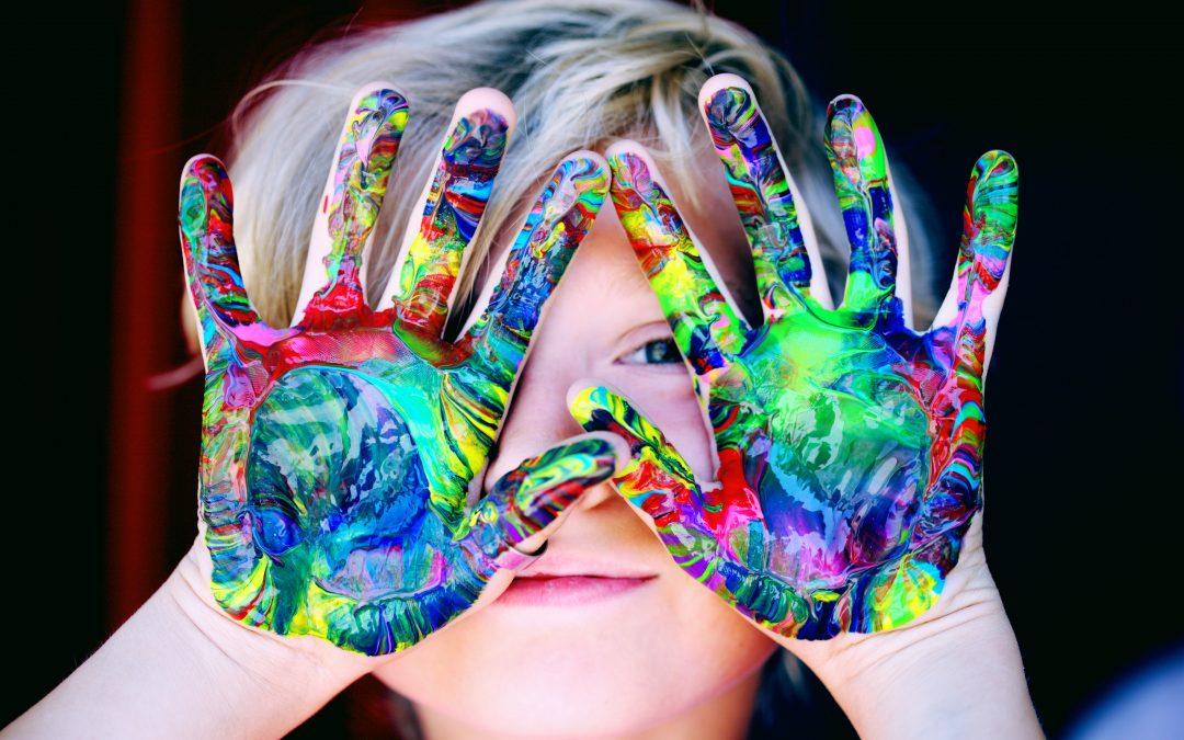 Gestion des émotions - Anaïs Firmin, praticienne en Neurofeedback EEGq en presqu'île guérandaise, La Baule, Pornichet, Saint-Nazaire, Le Pouliguen, Loire Atlantique, 44. Le Neurofeedback EEGq est une méthode d'entraînement cérébral qui permet de rétablir la quasi totalité des dysfonctionnements du cerveau. Pour enfants atypiques et adultes, son domaine de compétence est bien plus vaste : Haut potentiel (gestion des émotions, anxiété, confiance en soi), Troubles Dys, TDA/H, Autisme, Troubles du sommeil, Acouphènes, Burn-out, TCC - commotions cérébrales, Phobies, Fonctions cognitives ( attention, concentration, mémoire, organisation, planification,…), Fonctions émotionnelles (anxiété, dépression, autorégulation émotionnelle,…), Fonctions comportementales (Impulsivité, hyperactivité, TICs, TOCs, agressivité, obsessions,…)